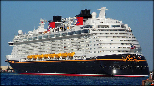 disney-cruise-ship
